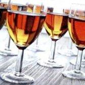 Як приготувати яблучне вино з чорносливом
