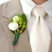 Весільна бутоньєрка для нареченого