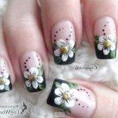 Чорний французький манікюр з квітами