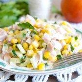 Салат з куркою і кукурудзою