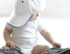 Як навчити дитину одягатися самому?