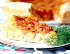 Дріжджовий пиріг з капустою