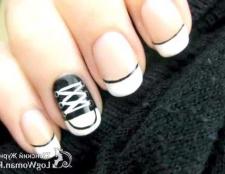 Кеди на нігтях
