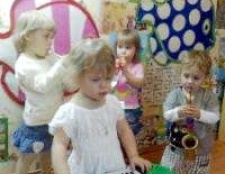 Плюси і мінуси домашнього дитячого саду